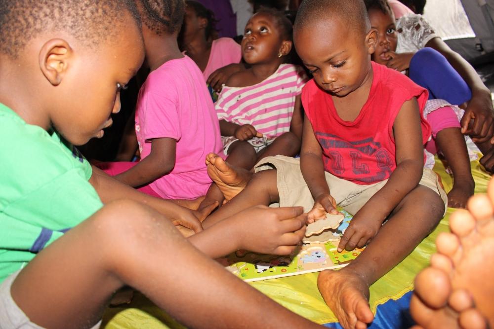 kids playing games at Kaningo